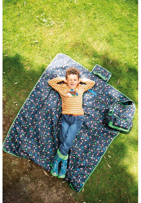 The National Trust Pack A Picnic Blanket