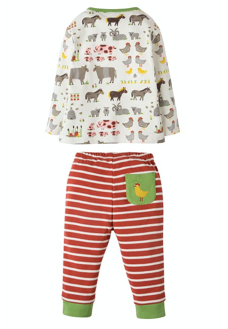 Oliver Outfit